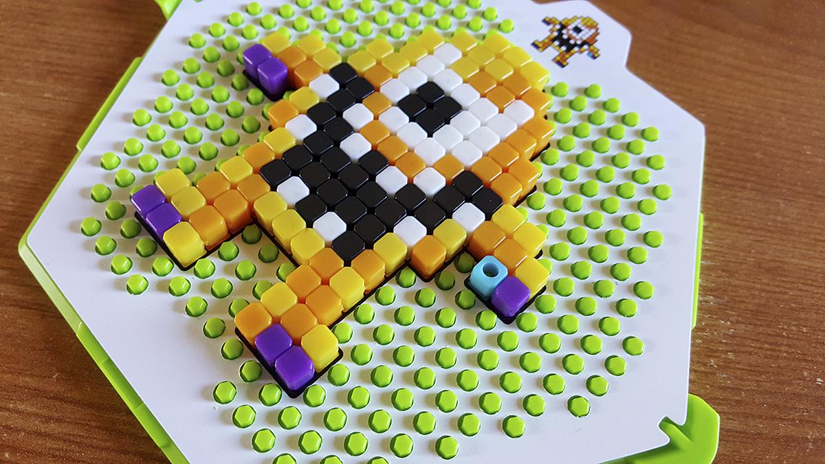 pixel art jouet
