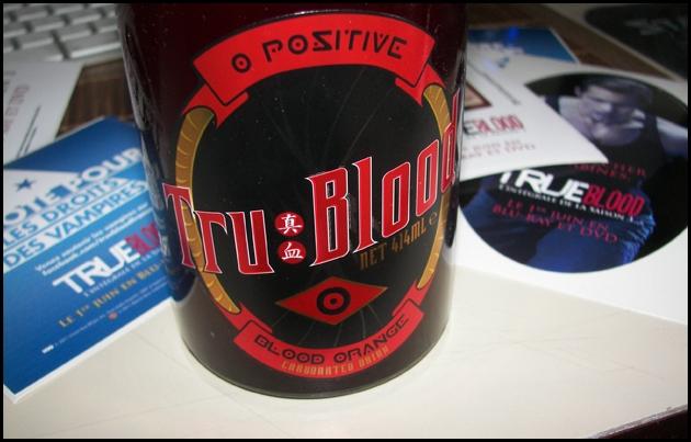 tru,ture,blood,sang,vampires,boisson,bouteille,autocollants,goodies,serie